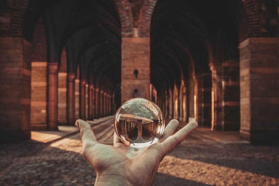 5 Ways AI Makes Hiring Easier